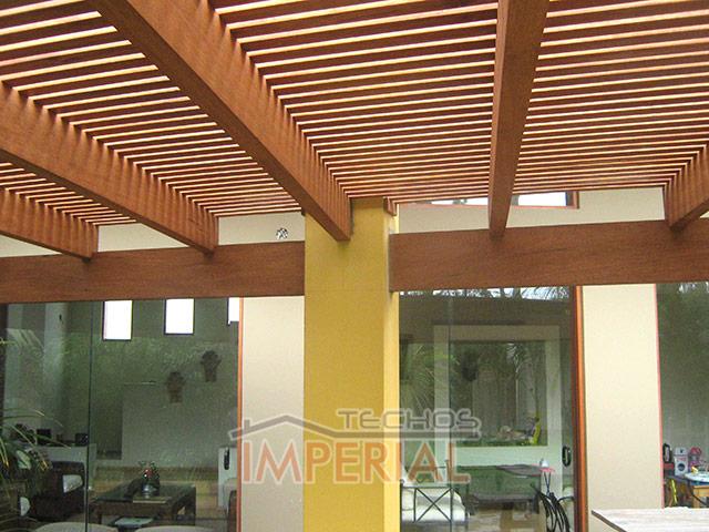 Techos de madera pumaquiro shihuahuaco tornillo huayruro for Techos rusticos para galerias